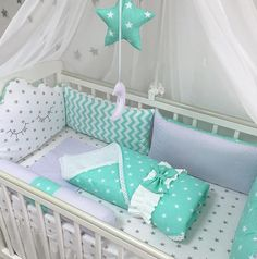 Diy baby nest pillow New Ideas Quilt Baby, Baby Crib Bedding, Baby Pillows, Baby Bedroom, Baby Boy Rooms, Baby Cribs, Baby Cot Bumper, Baby Sewing Projects, Boys Room Decor