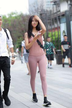 Hot Japanese Girls, Beautiful Japanese Girl, Beautiful Asian Women, Sexy Asian Girls, Sexy Hot Girls, Korean Girl Fashion, Womens Fashion, Very Pretty Girl, Monochrome Fashion