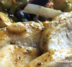 Garlic Chicken with Roasted Vegetables-The Southern Lady Cooks Pork Recipes, Mexican Food Recipes, Ethnic Recipes, Yummy Recipes, Garlic Chicken, Roasted Chicken, Baked Chicken, Food Dishes, Main Dishes