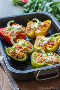 Poivrons farcis au Riz et au Poulet - Peppers stuffed with rice and chicken - French Cuisine Batch Cooking, Cooking Recipes, Healthy Eating Tips, Healthy Recipes, Healthy Nutrition, Drink Recipes, Tasty Dishes, Tasty Meals, Food Inspiration