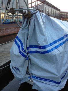 Boat Covers. Wanneer u het bijv. gaat gebruiken voor uw #boot ... kunt u het eenvoudig op de achterzijde sluiten, met behulp van de unieke gaatjes die voor geprepareerd zijn in het #dekkleed.