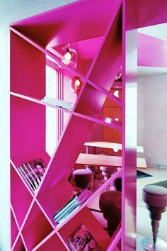 moderne-rosa-Bücherregal