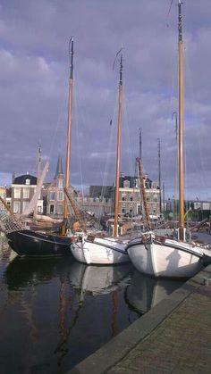 Frisian sailimgships in Lemmer