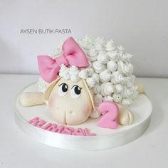 Cute Sheep Cake First Birthday Girl Aysenbutikpasta TURKEY - cake - # birthday girl 3id Adha, Fondant Cakes, Cupcake Cakes, Easter Cake Fondant, Sheep Cake, Lamb Cake, Turkey Cake, Bolo Minnie, Rabbit Cake