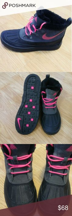 cheaper e310f 05321 Nike Boots Size 7 youth Nike Big Kids waterproof boots both warm and comfy  with a. All About ShoesNike ...