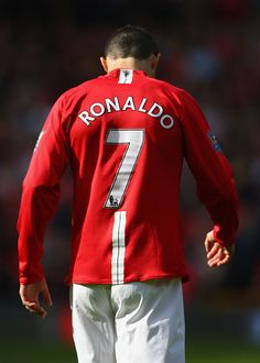 MANCHESTER, ENGLAND - APRIL Cristiano Ronaldo of Manchester United walks away during the Barclays Premier League match between Manchester United and Aston Villa at Old Trafford on April 2009 in Manchester, England. (Photo by Ryan Pierse/Getty Images) Cristiano Ronaldo Cr7, Christano Ronaldo, Cristiano Ronaldo Manchester, Cristiano Ronaldo Wallpapers, Ronaldo Football, Football Soccer, Football Icon, Neymar, Manchester City