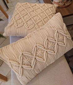 Macrame Art, Macrame Design, Crochet Motifs, Pillow Texture, Macrame Patterns, Bohemian Pillows, Crochet Projects, Throw Pillows, Fiber Art