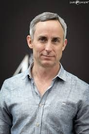 Born: March 1965 James Wallace Langham II is an American actor. He currently plays the role of David Hodges in the American crime drama television series CSI: Crime Scene Investigation. American Crime, American Actors, Csi Crime Scene Investigation, Las Vegas, Drama Series, Investigations, Plays, It Cast