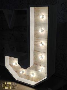 Letras iluminadas - Letras con bombillas - Letras de madera - Iniciales luminosas para bodas y eventos