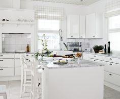 Aurora - kiireetön kotihetki.   #aurora #keittiö #valkoinen
