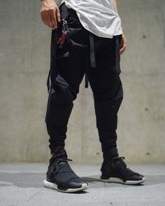 Streetwear MilanStreetwear Milan Daily Streetwear Outfits Tag to be featured DM for promotional requests Cyberpunk Mode, Cyberpunk Fashion, Urban Fashion, Men's Fashion, High Fashion, Fashion Ideas, Street Outfit, Street Wear, Urban Outfits