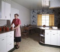 Trendy Ideas For Kitchen Layout Commercial Open Shelves Kitchen Cabinets For Sale, Old Kitchen, Vintage Kitchen, Kitchen Furniture, Kitchen Decor, Kitchen Design, Eclectic Kitchen, 1940s Kitchen Wallpaper, Mexican Style Kitchens