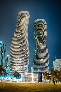 The Marilyn Monroe condos buildings Mississauga Ontario GTA Toronto. The rest of the interesting Toronto treasures can be navigated with your BabyBird Guide to Toronto Ottawa, Quebec, Toronto Architecture, Beautiful Architecture, Ontario, O Canada, Canada Travel, Visitar Canada, British Columbia