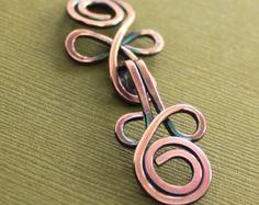 Articles similaires à Fermoir cuivre cardigan grand noeud celtique ou chandail boucle déployante avec perles de Swarovski blancs - sélectionnez autre finition métal sur Etsy