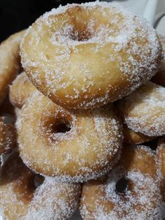 Doughnut, Donuts, Pie, Bread, Desserts, Recipes, Food, Frost Donuts, Torte