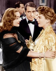 Bette Davis, Gary Merrill, Anne Baxter in All About Eve / Edith Head designs Golden Age Of Hollywood, Vintage Hollywood, Hollywood Stars, Classic Hollywood, Hollywood Fashion, Hollywood Glamour, Anne Baxter, Classic Actresses, Classic Movies