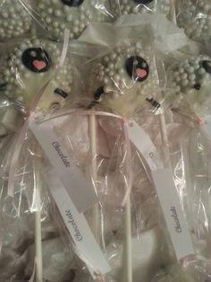 White sheeps cake pops