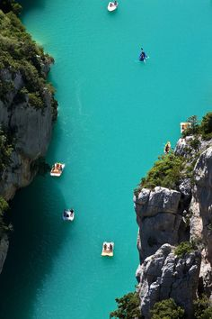 The gorge of Verdon: Grand Canyon with Caribbean flair Grand Canyon, Luberon Provence, France Travel, Caribbean, Places To Go, Camping, Adventure, Water, Holiday