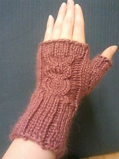 Who's owl mitts pattern by Mareike Neumann