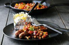 Salsa med chorizo og kikerter Chorizo, Salsa, Grilling, Food Photography, Sweet Treats, Sweets, Beef, Snacks, Dinner