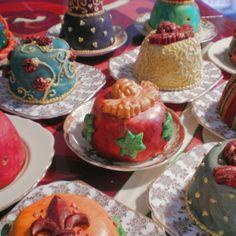Individual Christmas Cakes. Join Unique Online Cake Decorating Courses on http://cakedecoratingcoursesonline.com Para você que quer vender e precisa de um blog que seja viral hoje nós estamos com adesão grátis acesse nosso link http://trabalheviainternet.com.br/aovivo/oferta/ e assim que se cadastrar me avise para que possamos configurar sua conta mdavirei@yahoo.com.br
