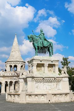 Just beside Matthais Church is another one of Budapest's most well-known landmarks, Fisherman's Bastion.  Fisherman's Bastion was built in the late 1800s to celebrate the 1000-year anniversary of the founding of Hungary.