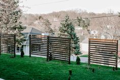 Create Some Backyard Privacy Landscaping With These Beautiful Trellises - MY CHIC OBSESSION Privacy Landscaping, Backyard Privacy, Garden Landscaping, Garden Bulbs, Shade Garden, Bushes And Shrubs, Wood Trellis, Climbing Flowers, Bleu Turquoise