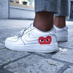 "Nike Air Force 1 ""Comme des Garçons"" coeur, custom By Trybu - Fashion / Shoes - Schuhe Nike Shoes Air Force, Nike Air Force Ones, Nike Air Force 1 Outfit, Nike Force 1, Custom Sneakers, Custom Shoes, Nike Custom, Custom Af1, Sneakers Fashion"