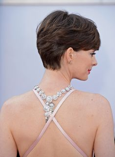 Love Anne Hathaway's short hair! Trying to get mine like this!