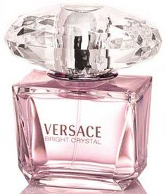 Bright Crystal for Women Eau de Toilette Spray perfume by Versace was inspired by a mixture of Donatella Versace's favorite floral fragrances. Perfume Lady Million, Best Perfume, Perfume Versace Bright Crystal, Perfume Carolina Herrera, Perfume Calvin Klein, Expensive Perfume, Perfume Diesel, Perfume Collection, Lotions