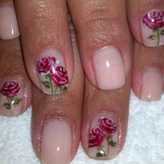 Beautiful hand painted flowers by @lmnailartist4life