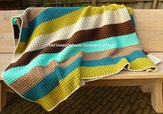 Karin aan de haak: Dikke gehaakte retro deken met patroon