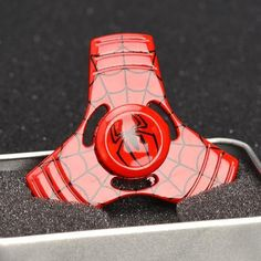 Marvel Commander Hand Tri-Spinner