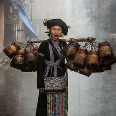 Travel Asian beauty and the baskets Vietnam woman, creation is issue from blueprints female energies that dominate the universe, If you care about Tibet and preserve conscious cultures that won't harm the planet, sign this petition, We Are The World, People Around The World, Around The Worlds, Real People, Laos, Vietnam Voyage, Vietnam Travel, Beautiful World, Beautiful People