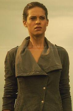 Alex's grey asymmetric jacket on Nikita.  Outfit Details: http://wornontv.net/24521/ #Nikita