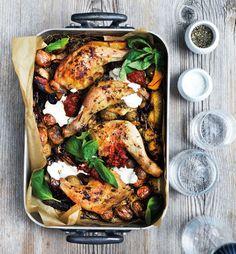 Kyllingelår er en billig udskæring, der giver dejligt mørt kød og sprødt skind. I stedet for sauce serveres de her med en nem ingefærcreme til.
