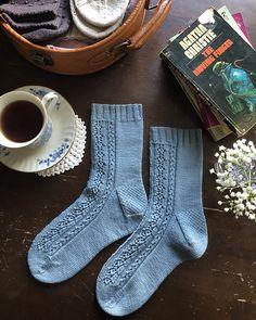 2019 Neu Modell Ravelry: Poison Pen socks pattern by Ambrose Smith , Crochet Socks, Knitting Socks, Hand Knitting, Knitted Slippers, Knit Socks, Crochet Granny, My Socks, Blue Socks, How To Purl Knit