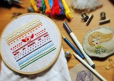 Mejores proyectos de bordado del 2013 / Best embroidery projects of 2013 / Meilleurs projets de brodérie de 2013 - Kraftcroch http://www.kraftcroch.com/2013/10/curso-de-bordado-en-la-maison-bisoux.html