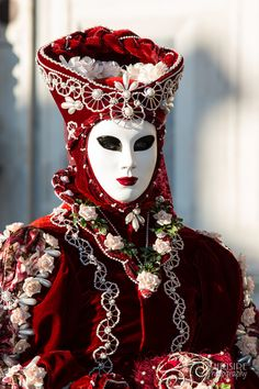 Fancy Costumes, Creative Costumes, Carnival Costumes, Venice Carnivale, Venice Mask, Carnival Date, Carnival Of Venice, Masquarade Mask, Venitian Mask