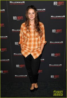 Shailene Woodley- Arrives with wet hair, no makeup, and a flannel lol I love her