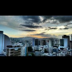 """#Altamira #Altamira360 #Caracas  #Venezuela #serie #photografylovers #Paisajes #Ávila #Atardecer"" Photo taken by @beruskajt on Instagram, pinned via the InstaPin iOS App! http://www.instapinapp.com (02/20/2015)"