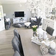 Best Indoor Garden Ideas for 2020 - Modern Swedish Interior Design, Living Room Accents, Modern Room, Modern House Design, Home Bedroom, New Homes, Dining Room, Room Decor, House Ideas
