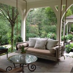 Inspiring Rustic Porch Swing Ideas To Get Comfort In Relaxing 19 What could be more complimentary to an entryway patio than a wooden porch swing? A porch swing can add a dash of sentimentality [Continue Read] Outdoor Rooms, Outdoor Living, Outdoor Kitchens, Deco Restaurant, Vintage Porch, House With Porch, Living Spaces, Living Room, House Design