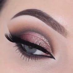 Pretty @makeupbyan  #mac#lips #makeup #thebeautybombb #wakeupandmakeup #youtube #instagood #instamakeup #ig_universal #makeupaddict #jaclynhill #motd #vegas_nay #beforeandafter #anastasiabeverlyhills #sephora #smokeyeye #dollhousedubai #dollhousebeauty #shophudabeauty #fiercesociety #lookamillion #lookoftheday #hudabeauty #brows #hairstyle #kylielipkit #prom2k16 #coachella