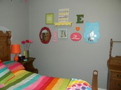 gallery wall in E's room