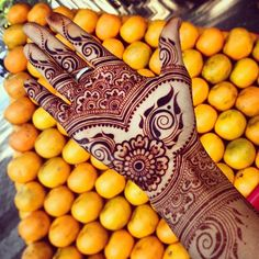 Latest Indian Mehndi Designs, Photos, Images for Diwali 2018 Henna Ink, Mehndi Tattoo, Henna Tattoo Designs, Mehndi Art, Henna Mehndi, Henna Tattoos, Bridal Henna Designs, Henna Designs Easy, Beautiful Henna Designs