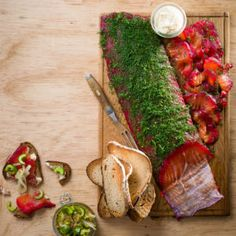 Beetroot and Dill Salmon Gravlax - Best Recipes Dill Salmon, Vegetable Spring Rolls, Veggie Skewers, Beetroot, Perfect Food, Seafood Recipes, Stuffed Mushrooms, Good Food, Recipes