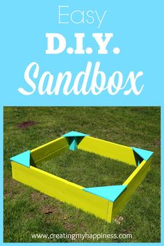 I& not a builder by any means, but this DIY sandbox was incredibly easy to put together and it was a big hit with my daughter! Diy Outdoor Toys, Outdoor Toys For Toddlers, Outdoor Play Spaces, Outdoor Fun, Outdoor Games, Backyard Playground, Backyard For Kids, Backyard Projects, Outdoor Projects
