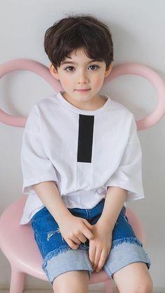 Cute Asian Babies, Young Cute Boys, Korean Babies, Cute Little Boys, Cute Baby Boy, Boy Pictures, Cute Baby Pictures, Toddler Fashion, Kids Fashion