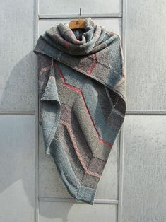 Ravelry: Tokyo Shawl by Marianne Isager